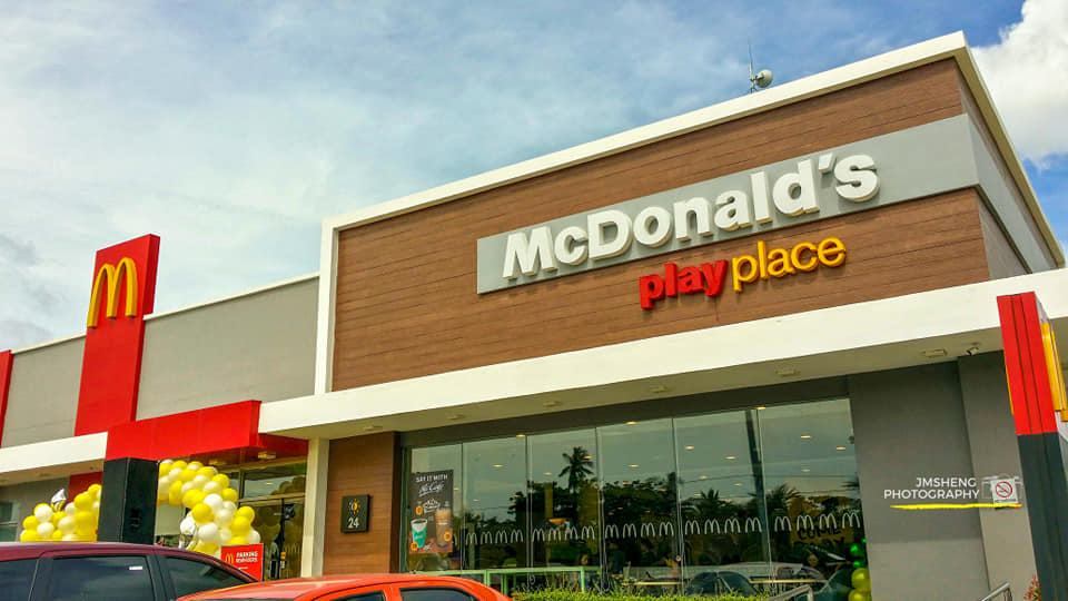 McDonald's El Salvador City launched the first Self-Ordering Kiosk in NorthMin